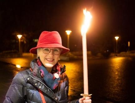 Hanna Lienhard - Fackellicht für 50 Jahre Frauenstimmrecht